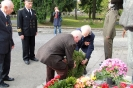 В день освобождения на военном кладбище Таллина_27