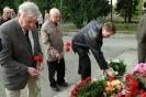 В день освобождения на военном кладбище Таллина_37