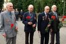 В день освобождения на военном кладбище Таллина_54
