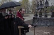 Епископ Нарвский и Причудский Лазарь освятил колокола, которые будут созывать в Нарве верующих на молитву_33